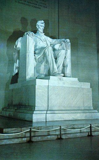 Lincoln Statue Tony's postcard