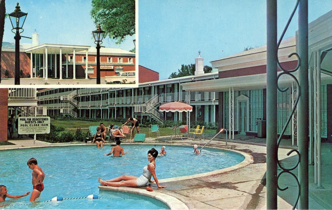 1965 05 Ramada Inn Mobile Alabama postcard.jpg