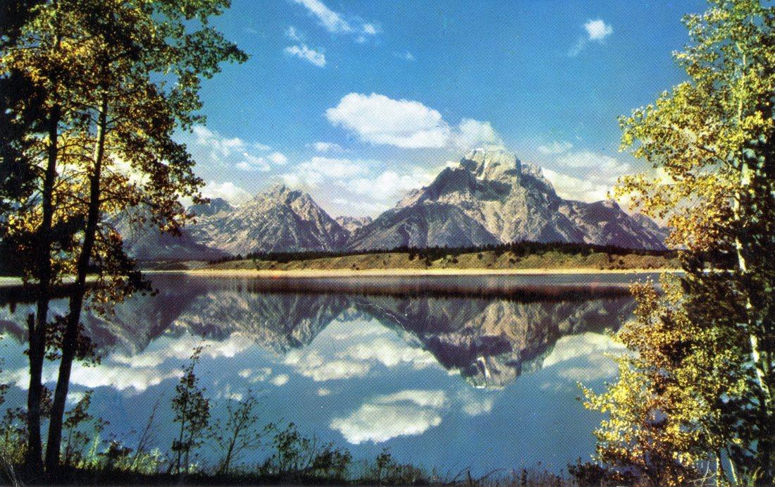 Jackson Lake and Teton Range, Wyoming P2.jpg
