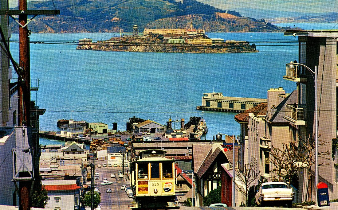 P48 CABLE CAR ON SAN FRANCISCO HILL CALIFORNIA