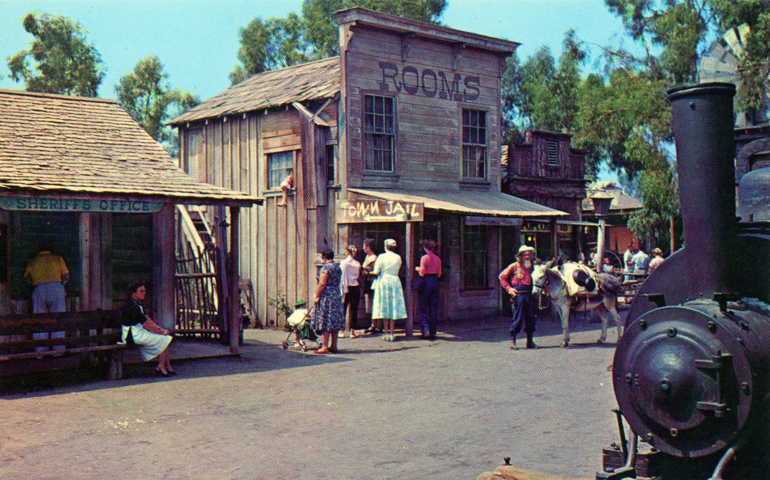 P32 GOLDIE'S PLACE KNOTTS BERRY FARM GHOST TOWN CALIFORNIA