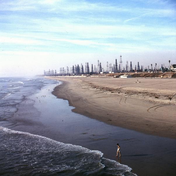 Huntington_Beach,_1956.jpg